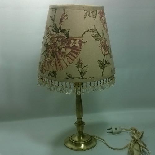 lámpara vintage de mesa base en bronce y visera de tela