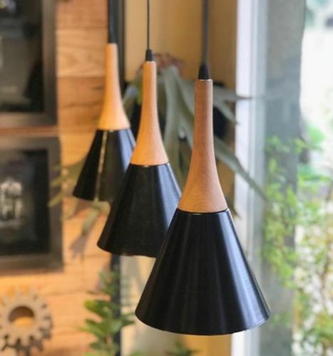 lamparas colgante de madera y metal