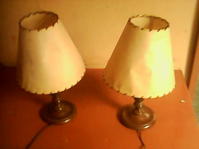 lamparas de mesita de noche en madera bien elaboradas