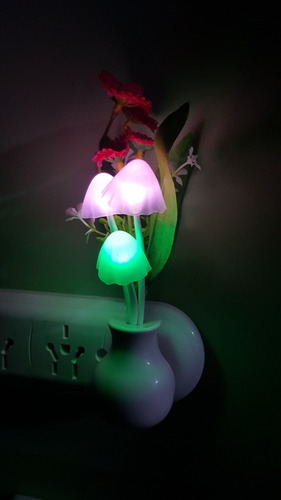 lamparita de noche con luz led cambia de color decoracion