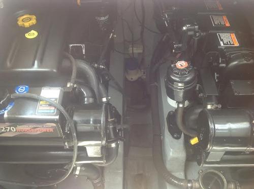 lancha brava 36 pés ano 2010 com 2 mercruizer 270 hps