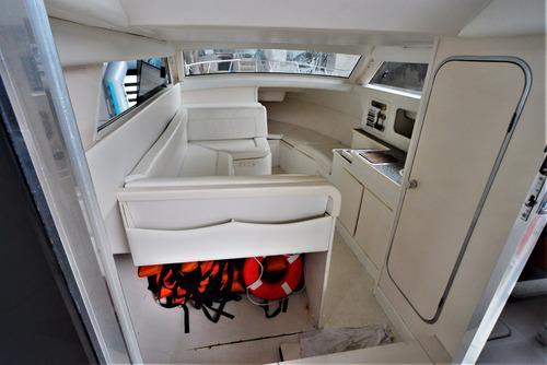 lancha cabinada, com fly e banheiro