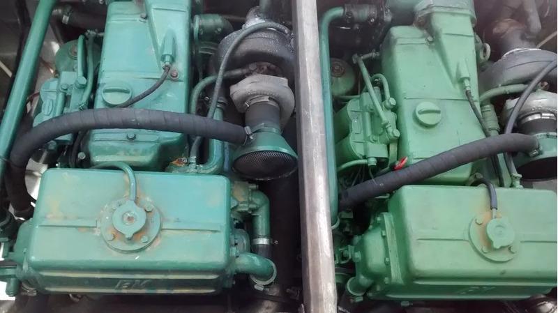 lancha carbrasmar 26 pés 2 motores mercedes 4 cil. turbinado