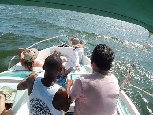lancha coral 21 de 2010, com motor mercury, dá até 8 pessoas