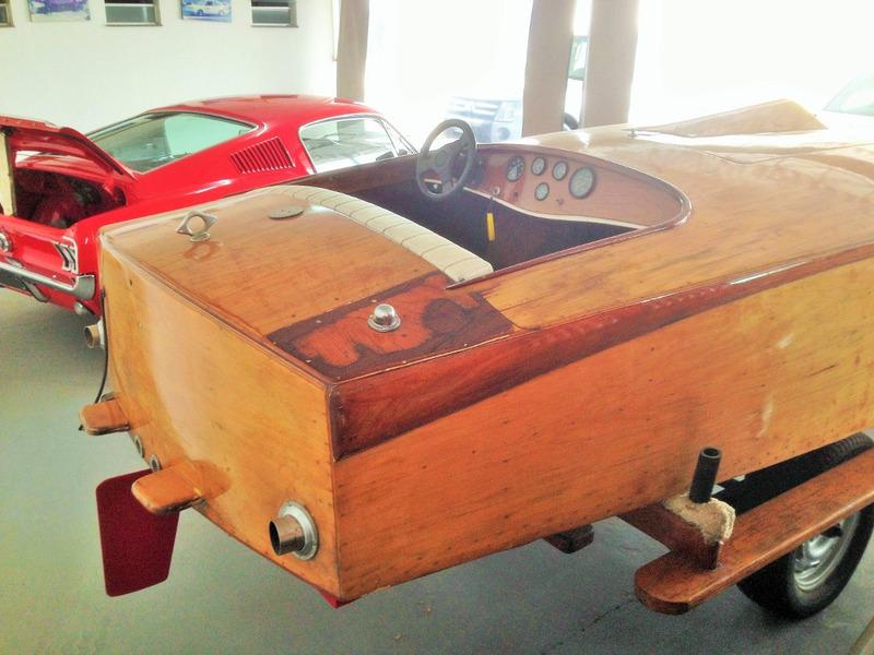 lancha cracker box max 1958, clássico em madeira, restaurada