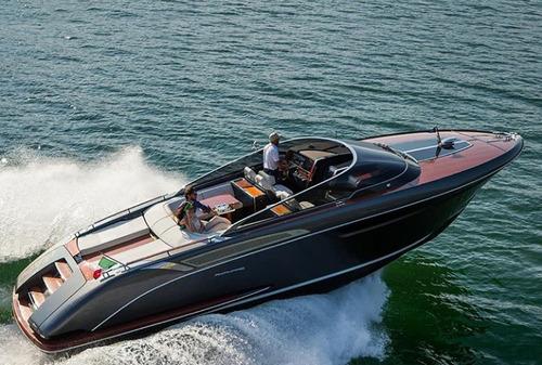 lancha crucero de lujo riva rivamare ferretti group italiano