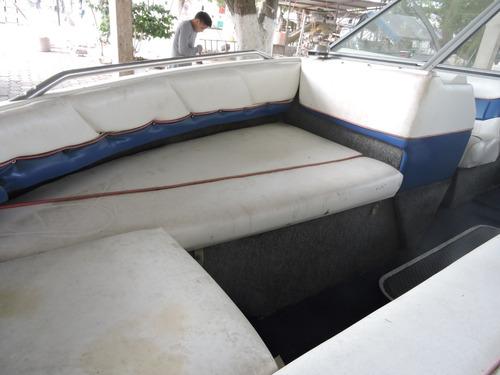 lancha de 19 pies con motor 115 hp entera motor y tapiceria