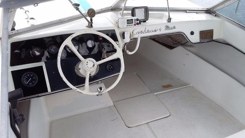 lancha diesel pé de galinha carbrasmar xaréu 22 om 352ª mar
