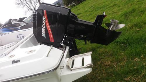 lancha fivres 515 con motor fuera de borda mercury efi 200