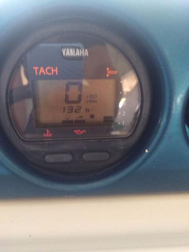 lancha logic 25 com yamaha 200 hp