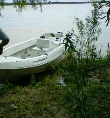 lancha nativo fishing