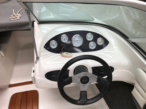 lancha open canestrari 1900 con mercruiser 135 hp año 2013