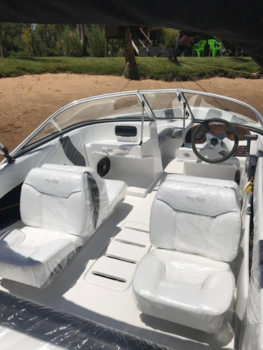 lancha open naval center 165 en venta  motor 90 hp yamaha