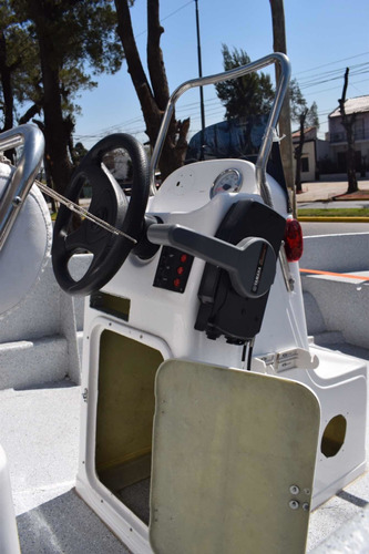 lancha pescadora tracker 530 con motor yamaha 60 hp