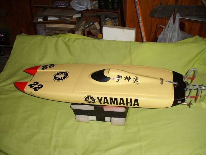 Lancha Rc Catamarán Yamaha Con Casco Mystic 95 - $ 40 000,00