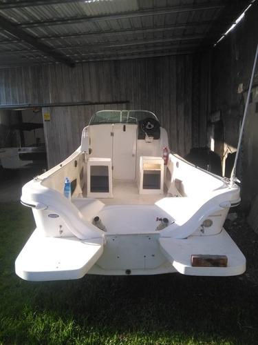 lancha traker cabinado