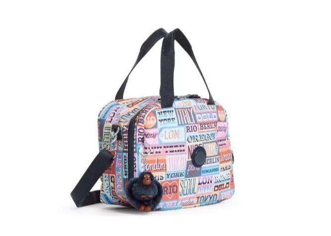 7769fa47e Lancheira Lunch Bag Miyo Kipling Hello Weekend - R$ 258,75 em ...