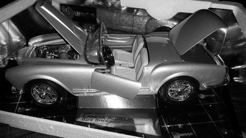 lancia aurelia 1955 coleccion 1 18 burago 25cm en caja
