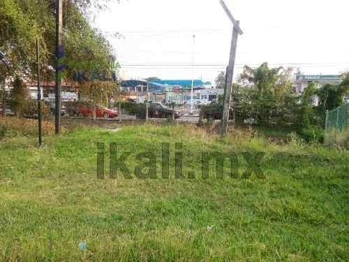 land for sale 5600 m² in colonia del valle tuxpan veracruz. terreno en forma de l, se encuentra ubicado a un costado de la escuela ugm sobre la avenida cuauhtemoc, cuenta con 5600 m², son 29 m de fre