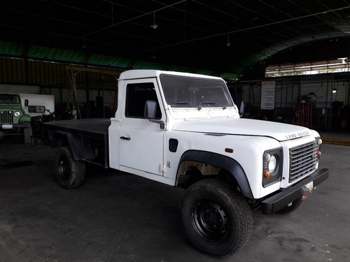 land rover defender 130 año 2006 impecable. motor diesel