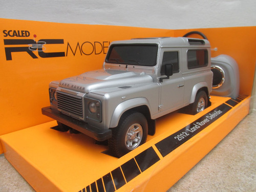 land rover defender radiocontrol 1:24 welly con luces plata