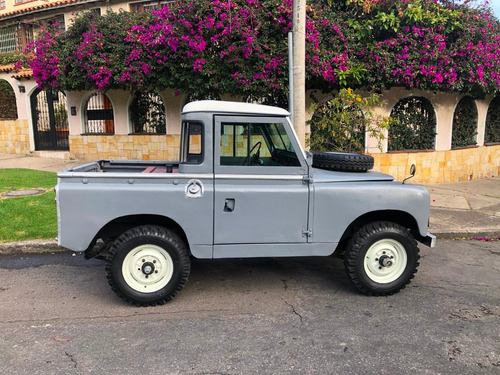 land rover santana 1968