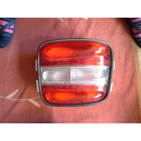 Lanterna Esquerda Do Fiat Brava