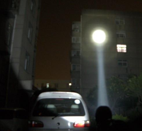 lanterna forte tática led 6000 w 30000 lumens recarregavel