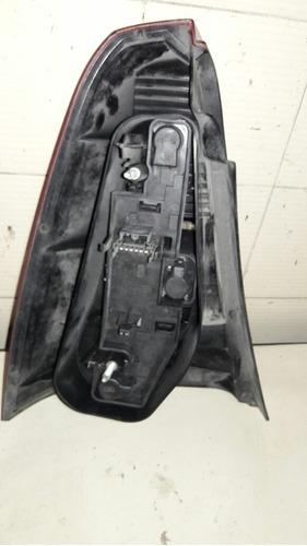 lanterna lado direito do logan 07/10 usada p/detalhe lente
