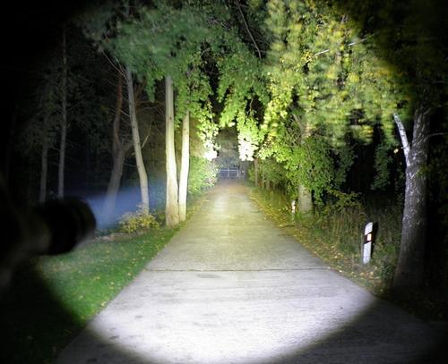lanterna tática militar sofirn sp32 a 1550lumens + bateria