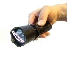 lanterna tática + taser choque ultrapotente police a melhor