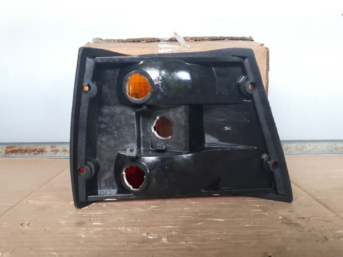 lanterna traseira caravan 88/92 tricolor orig polimatic l d