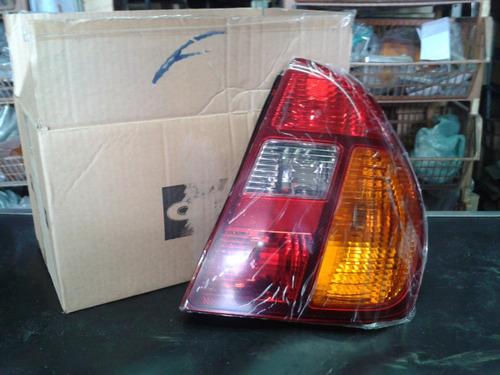 lanterna traseira clio 2003/ sedan tricolor direito original