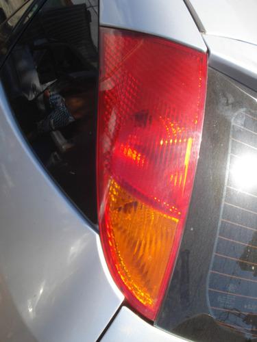 lanterna traseira esquerda ford focus