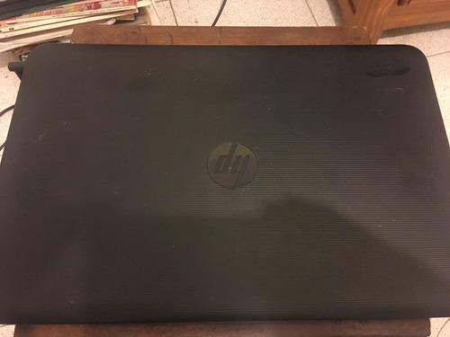 laptop / computadora  hp  con audífonos y mouse inalambrico