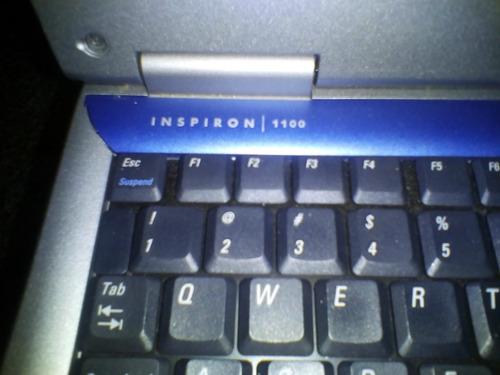 laptop dell inspiron 1100 con detalle. precio de regalo