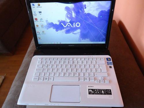 laptop sony vaio sve141d11u ultra cuidada de aparador
