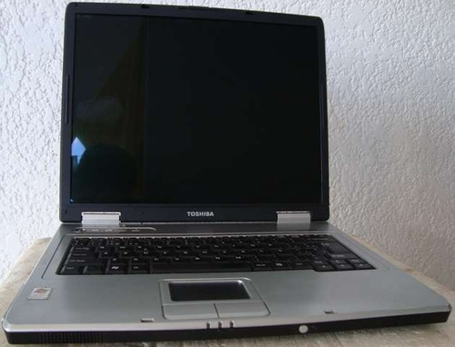laptop toshiba satélite l15-s104 aceptamos billetes de bs100