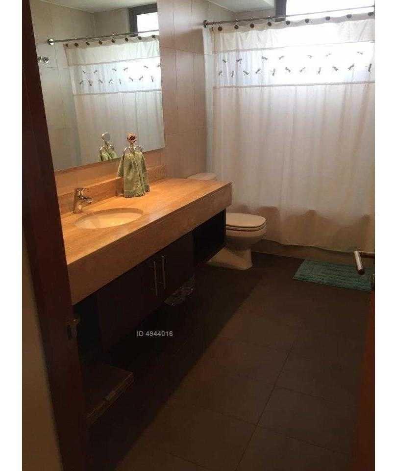 las condes. bilbao  hernando de magallanes, departamento cuatro dormitorios, cuatro baños, dos estacionamientos, una bodega. se vende.