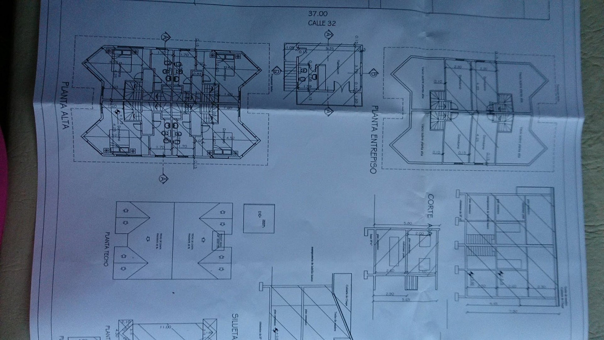 las gaviotas venta complejo de 4 triplex mas casa, a seis cuadras de playa.
