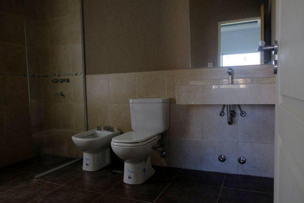 las golondrinas, casa en venta con 3 dormitorios