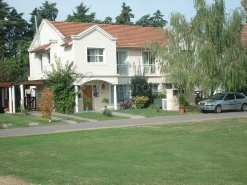las margaritas 100 - pilar - casas casa - venta
