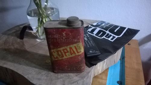 lata de barniz antiguo