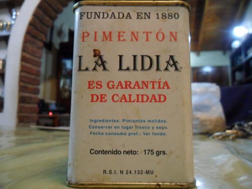 lata estilo antiguo la lidia  de pimentón en perfecto estado