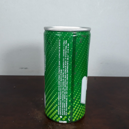 lata latinha antiga refrigerante 7 up vazia ferro venezuela