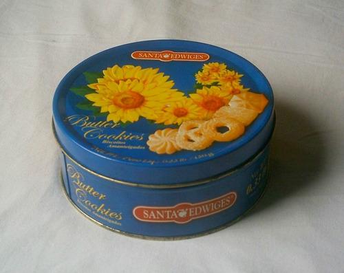 lata- santa edwiges -biscoitos amendoados-decoração -colecão