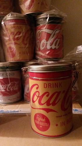 latas coca cola