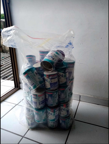 latas de leche vacías