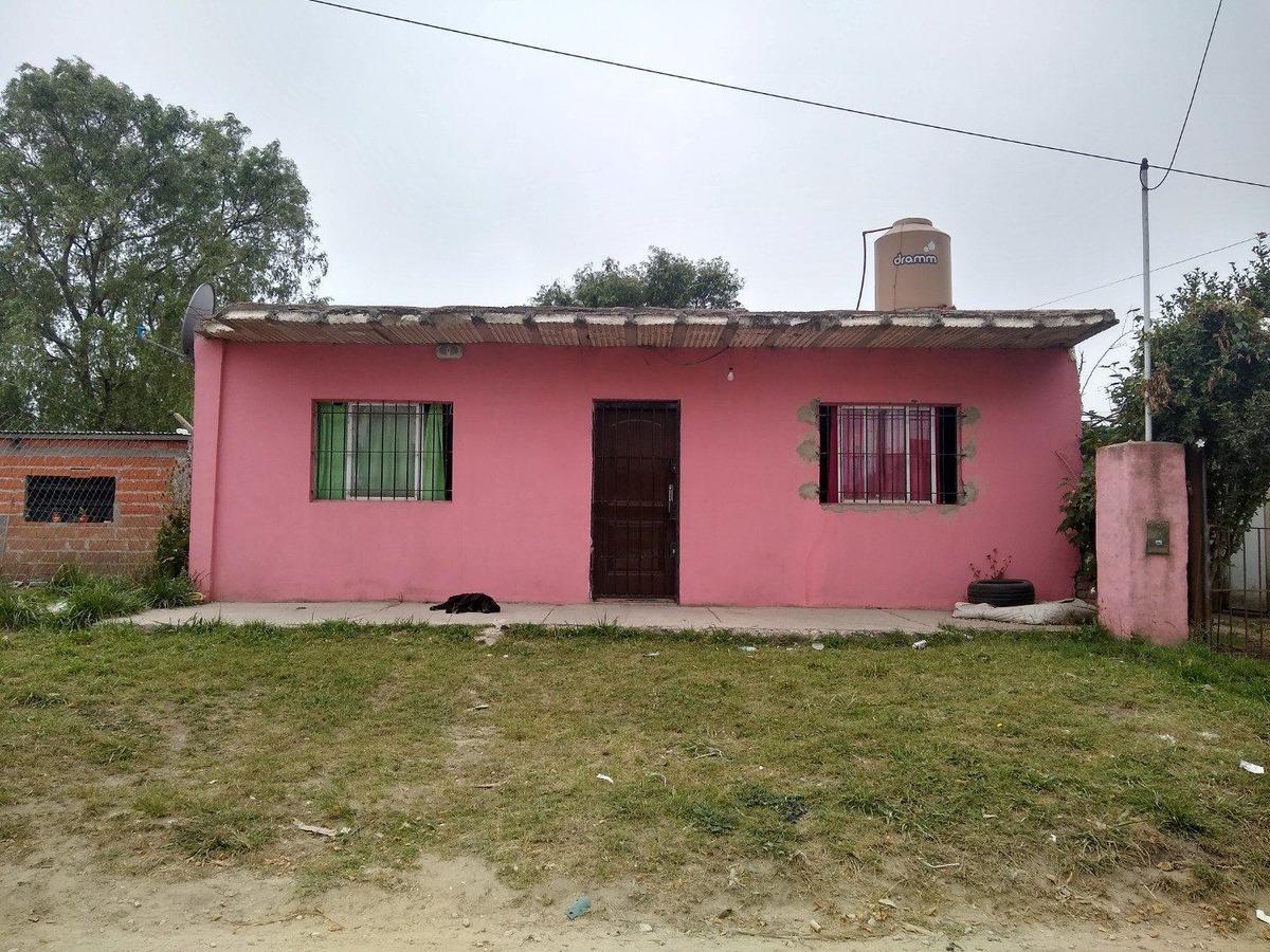 latorre prop. vende casa de 3 amb con parque - escriturado