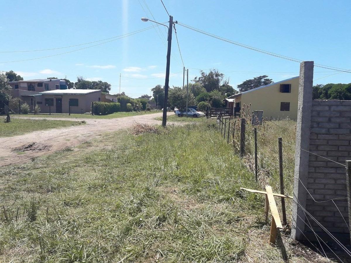 latorre prop vende dos lotes 800 m2 a 300 metros del mar, z/ parque peña
